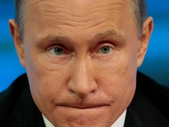 Putin carries snowstorm